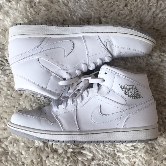where to buy price reduced best wholesaler Air Jordan 1 Mid White Leather Grey 554724-112 10
